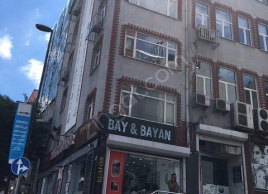 TAKSİM ' de Meydana YAKIN ,Ana Cadde üstü KÖŞE KONUMLU BİNA - undefined