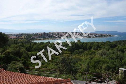 Çeşme Paşalimanın satılık 5+1 deniz manzaralı villa