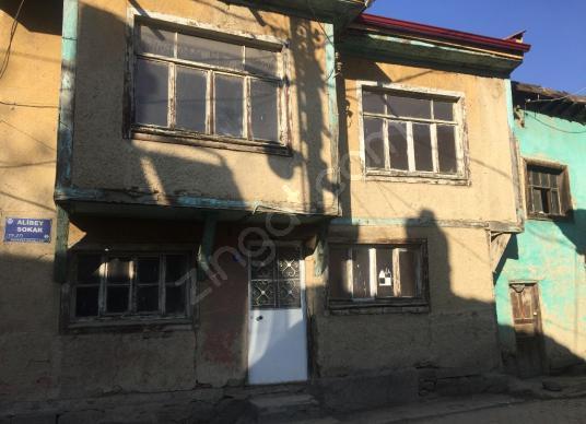 KIRKER Emlak'tan Fakıpaşa 'da Sobalı Kiralık Müstakil Ev ! - undefined