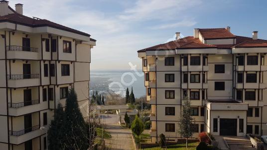 UZMANLAR'dan Satılık Daire 140 m2 Kocaeli Karamürsel Dereköy Mah - undefined