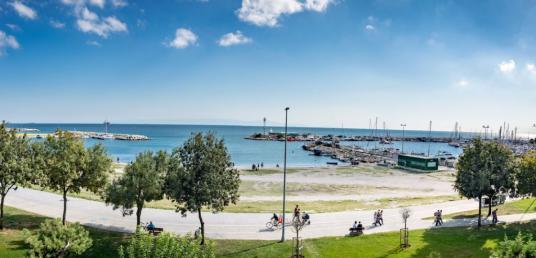 Yeşilköy Sahilinde Denize Sıfır 130 m2 2,5+1 Güvenlikli Bakımlı - undefined