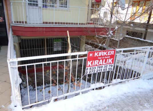 KIRKER Emlaktan Cumhuriyet Mahallesinde 50m² Kiralık Dükkan!!