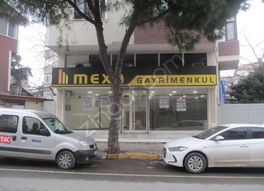 Yenimahalle de Cadde Cepheli Satılık Dükkan - Açık Otopark