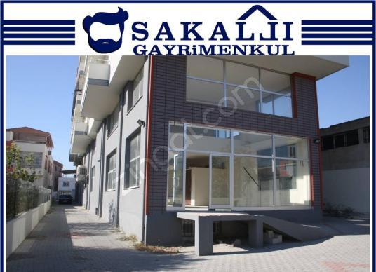 Karataş Yolu'nda 150 m2 Kiralık İşyeri- 90 m2 Zemin 60 m2 Bodrum