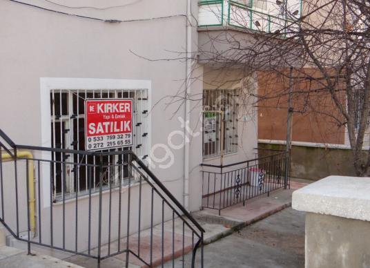 KIRKER Emlak'tan Cumhuriyet Mah. 2+1 Satılık Bahçe Katı Daire ! - undefined