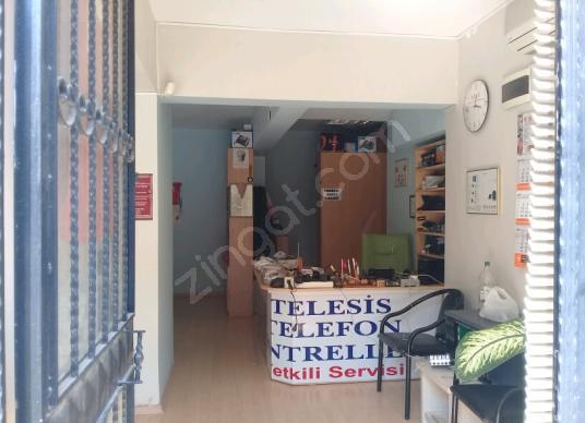 Kartal Karlıktepe'de  75M2  Satılık Ofis + Depo  300000 TL - Balkon - Teras