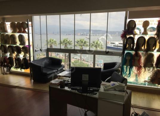 Karşıyaka Tuna'da Denize Sıfır Manzaralı Satılık  Ofis