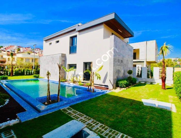 Kuşadasında Denize Yakın Özel Havuzlu Müstakil Villa