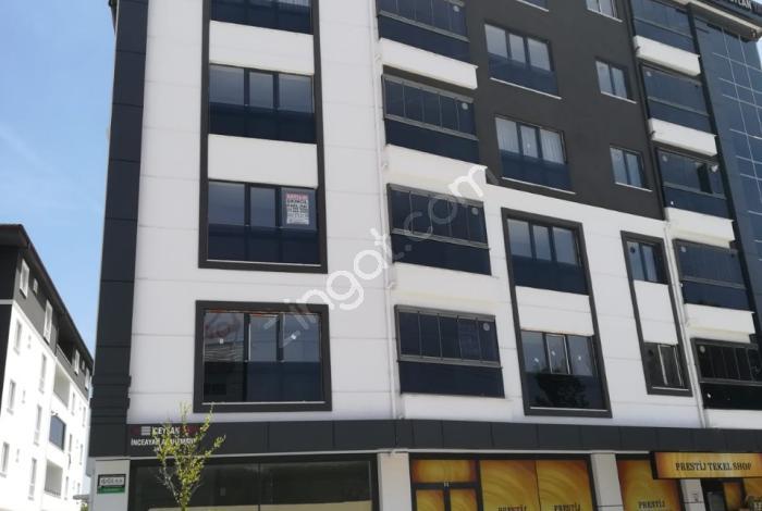 Paşaköy Mahallesi Hürriyet Caddesinde Satılık 3+1 Daireler