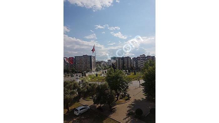 Eve-Den Girne Mahallesıde Açık Teraslı 3+1 Lüks Dubleks Daire