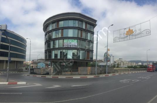 SULTANBEYLİ OTOBAN ÇIKIŞI REKLAM DEĞERİ YÜKSEK 4300 M2 PLAZA - Sokak Cadde Görünümü