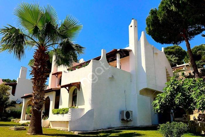 Maya Tatil Köyünde Satılık 4+1 Müstakil Villa