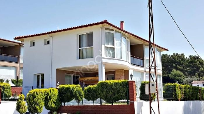 Kuşadası Soğucak'ta Satılık Özel Havuzlu 4+1  Villa