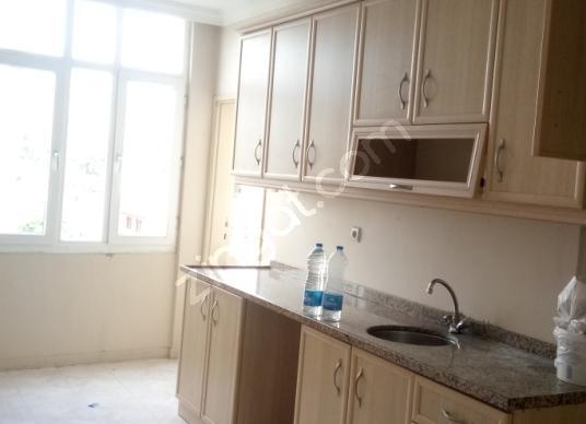 İbo  Osman  Caddesinde  4. kat  3+1  kiralık  müstakil  ev