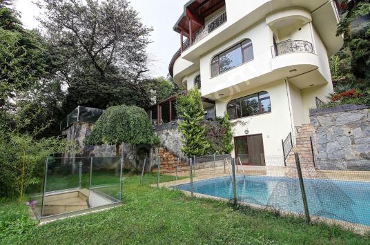 Tarabyanın En İyi Lokasyounda Havuzlu 500 m2 Tam Müstakil Villa - Dış Cephe