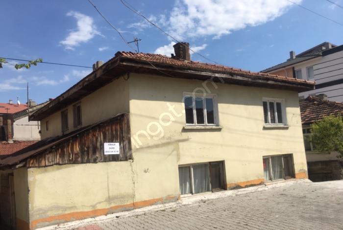 Bolu Merkez Semerkant'ta Satılık Müstakil Ev Ve Arsası