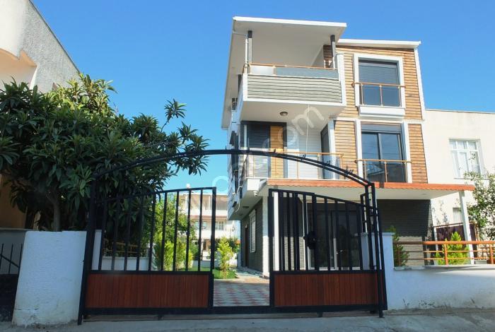 Didim Mavişehir Plaja 250Mt Müstakil Akıllı  5+1 Bahçeli Villa