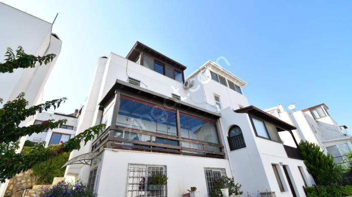Bodrum Marina'ya Yürüme Mesafesinde Kiralık Müstakil Ev