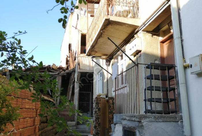Hakan Emlak'tan Kırkçeşme Mahallesi'nde Kiralık Daire