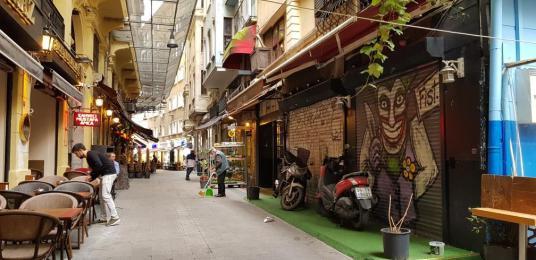 ASMALIMESCİT'TE  KİRALIK DÜKKAN - Sokak Cadde Görünümü