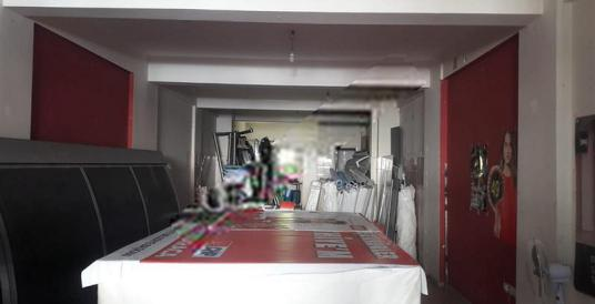 Günlükbaşı Adnan Menderes Bulvarında ACİL SATILIK Depolu dükkan.