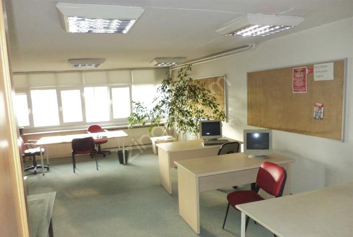 Kızılayın Merkezinde 90M2 Çift Cephe 1+1+Skrt Kiralik Ofis