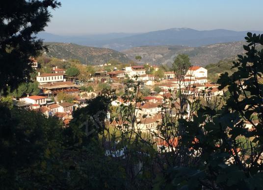 Selçuk Şirince de Satılık Manzaralı İmarlı Köşe Başı Arsa - Manzara