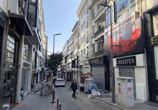 Şişli Osmanbey Baytar Ahmet Sokak Satılık 120m2 Kiracılı Dükkan - Sokak Cadde Görünümü