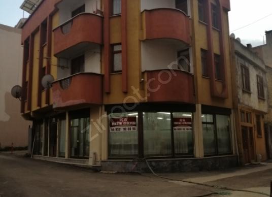 Asil gayrimenkulden meydana yakın satılık bina