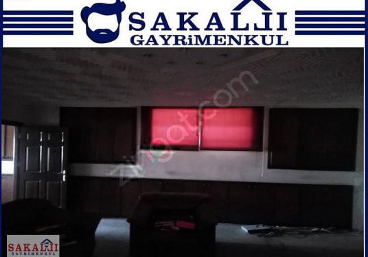 SAKALLI GAYRİMENKUL'DEN MERKEZDE 1300 M2 KİRALIK İŞYERİ !! - undefined