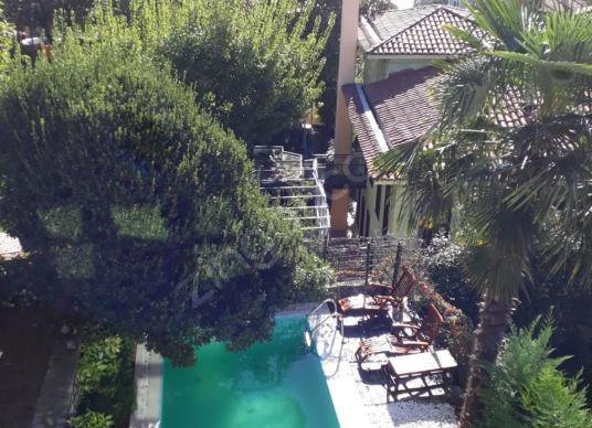 Sarıyer Rumelihisarüstü kiralık bahçeli köşk havuz garaj