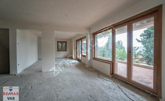 Beykoz Anadolu Hisarında Boğaz Manzaralı Satılık Villa