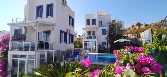 Bodrum Bağla'da Deniz Manzaralı 1+1 Villa  (Aylık  2,500TL )