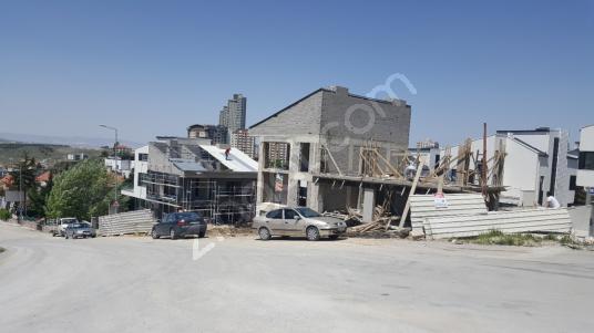 Ümitköy ve Çayyolu,birleştiği yerde,3900m2 komple Satılık bina - Açık Otopark