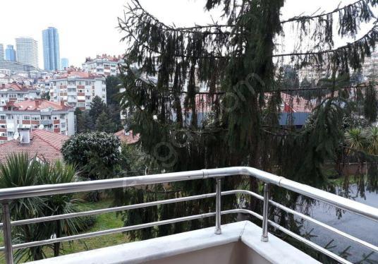 ULUS DEPREM SONRASI SİTEDE ARAKAT DAİRE - Balkon - Teras