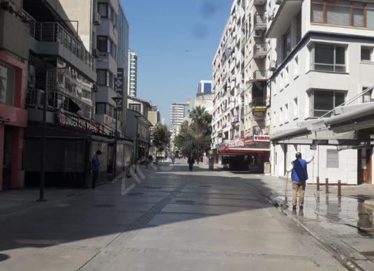 Alsancak kıbrıs şehitlerinde eşyalı 1+1 - Sokak Cadde Görünümü
