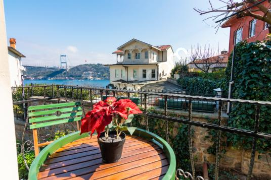 Rumeli Hisarı'nda Boğaz Manzaralı 4+1 Tripleks Villa