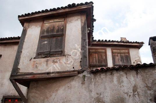 Urla Malgaca Pazarı içinde Satılık Taş Ev - Dış Cephe