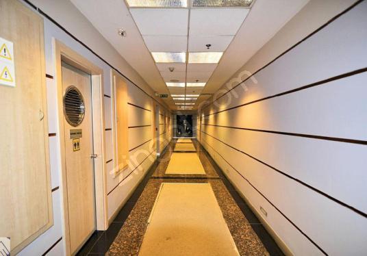 1.Levent'te Büyükdere Caddesinde A plus Plaza'da Kiralık Ofis - Antre Hol