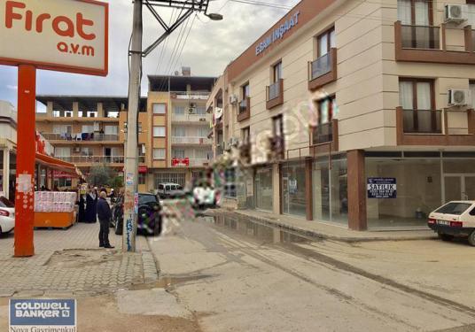 Bornova Mevlanada SATILIK 145 m2 Cadde Üzeri Köşe Dükkan - Sokak Cadde Görünümü