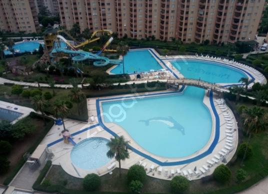 Erdemli Çeşmeli liparis 3 sitesinde lüks eşyalı yazlık daireler. - Yüzme Havuzu