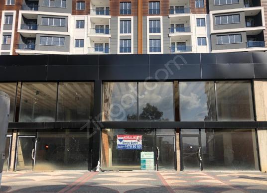 Sancaktepe Veysel karani Caddesinde 300 m² Kiralık Dükkan&Mağaza