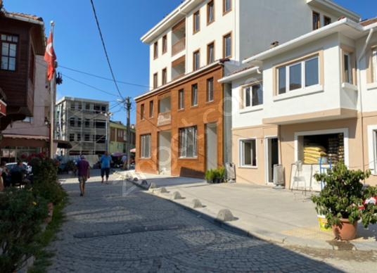 KEMERBURGAZ MERKEZDE 160M2 KİRALIK DÜKKAN - Sokak Cadde Görünümü