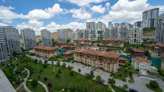 Atakent Bosphorus City Satılık 3+1 134m2 Manzaralı Daire - Site İçi Görünüm