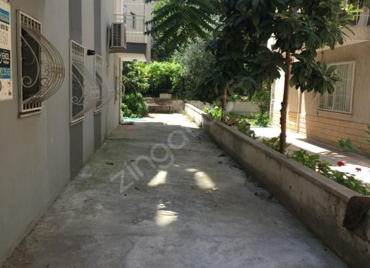 RA GRUP'TAN KARŞIYAKA BAHRİYE ÜÇOK  2+1 NEZİH MUHİTTE E-10087 - Bahçe