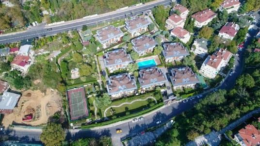 TARABYA PARK KONAKLARI 'nda TEK SATILIK Bahçe Dublex daire - Site İçi Görünüm