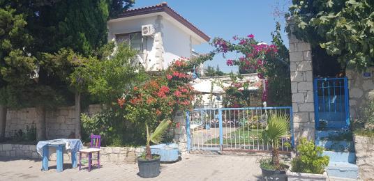 Çeşme alaçatı merkezde satılık tripleks villa - Bahçe