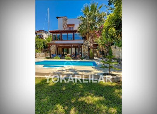Yalıkavakta Satılık Havuzlu Deniz Kenarı Müstakil Villa ID 2019 - Yüzme Havuzu