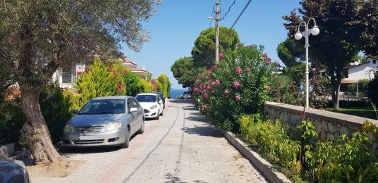 Çeşme yalı mahallesi site içi 3+1 deniz gören satılık villa - Sokak Cadde Görünümü