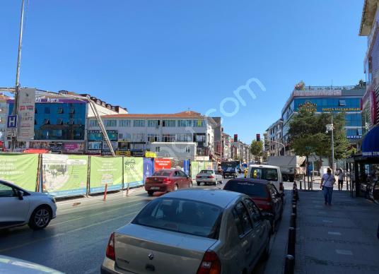 Ümraniye Meydan'da Tabela Değeri Yüksek 360 m2 Kiralık Ofis Katı - Sokak Cadde Görünümü